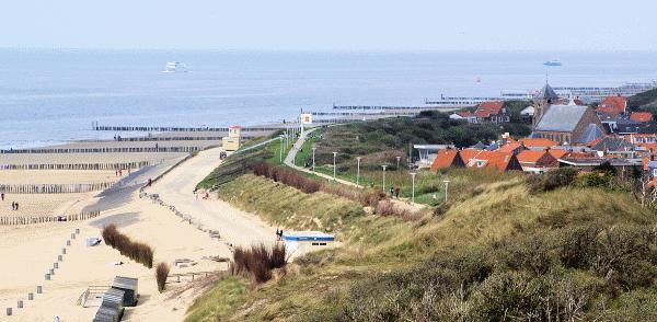 Uitzicht op het strand & de dorpskern Zoutelande